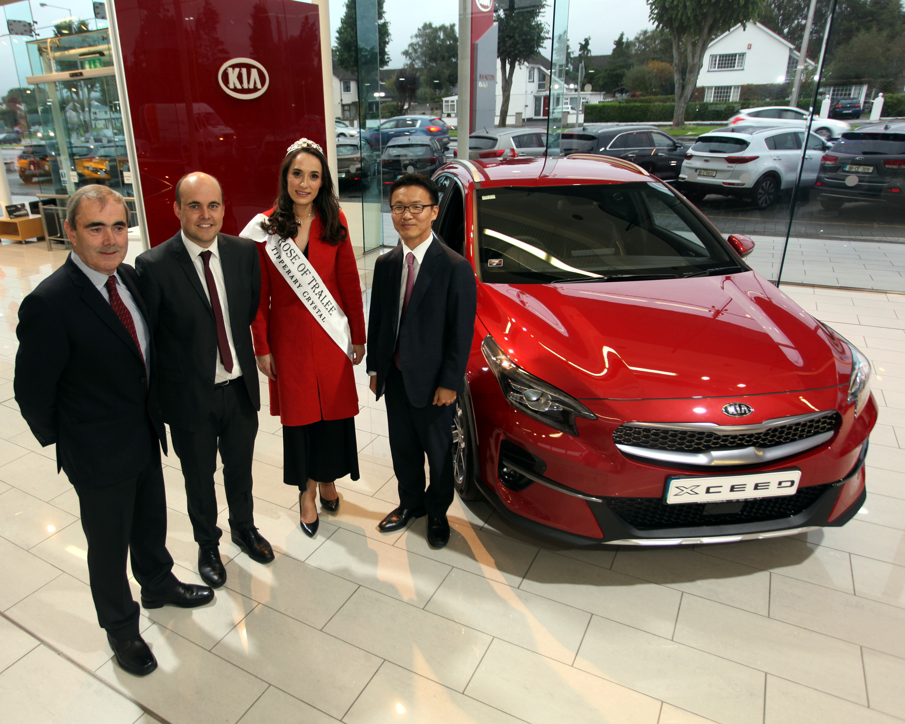 Hinchys Present Rose of Tralee Sinead Flanagan with her Kia XCeed
